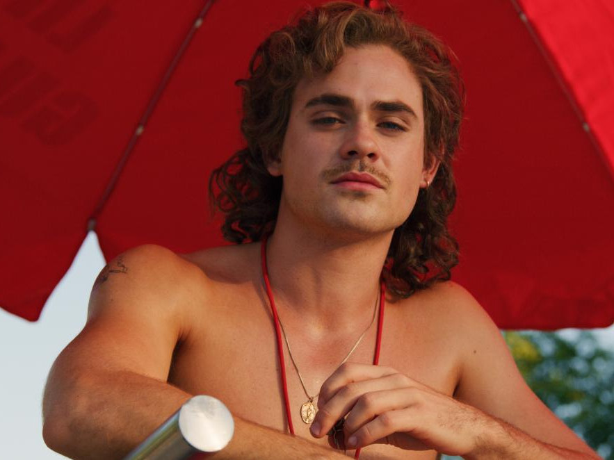 Stranger Things Dacre Montgomery Mullet Billy Hargrove celebrity haircuts